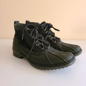 UGGs black winter boots sz 9 [P2A]